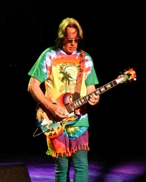 Todd Rundgren wearing a Lancaster CKSO shirt on tour with Ringo Starr !