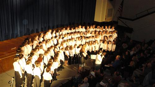 Picture of 3rd grade chorus